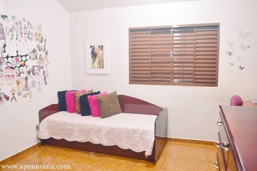 Decoracao De Quarto Simples E Barato ~ Como elas dividem o quarto, optaram por bicama no lugar da cama para
