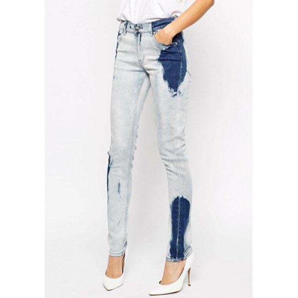 Calça jeans manchada