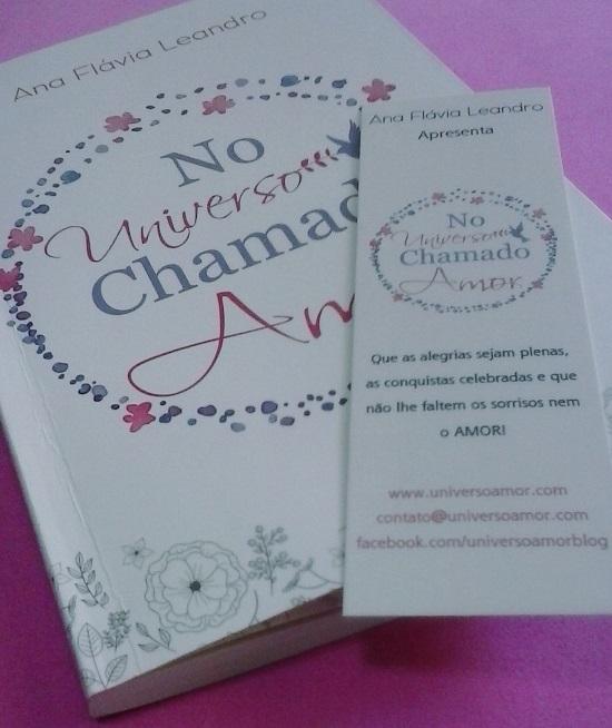 Detalhes da capa e marca página do livro